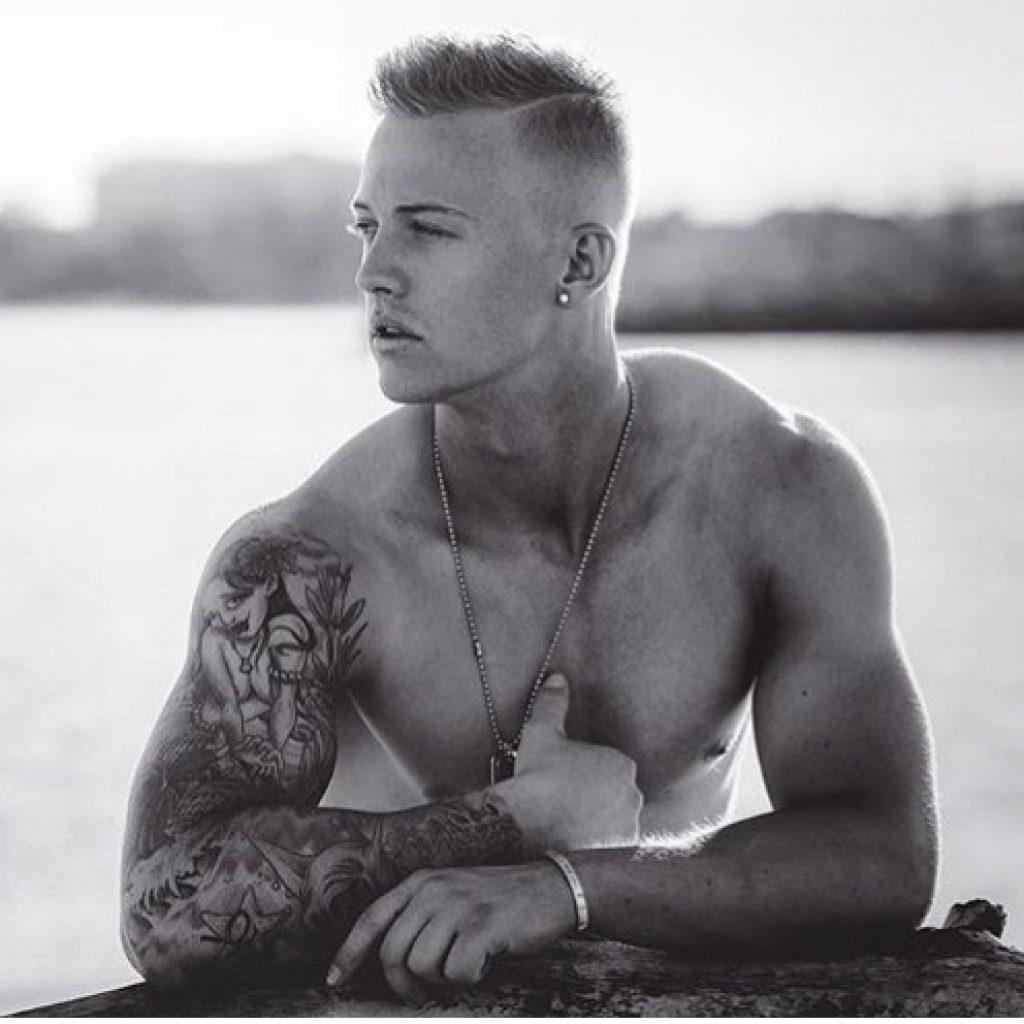 Sydney male stripper Leo